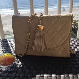 Authentic Vintage Chanel Beiges Small shoulder bag